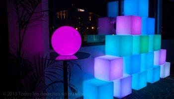 RENTA CUBOS LED RGB