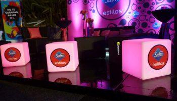 Renta de mobiliario para expos, congresos, juntas y presentaciones